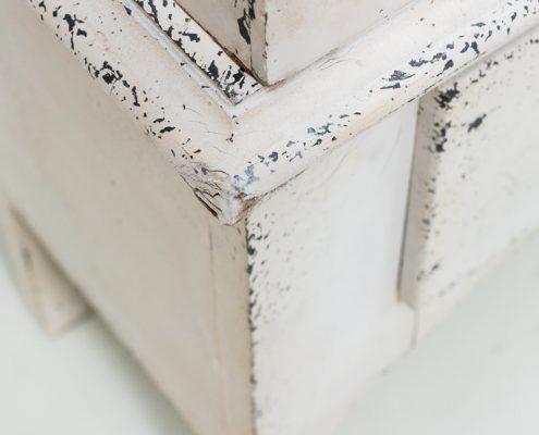 armario afrancesado color blanco decapado