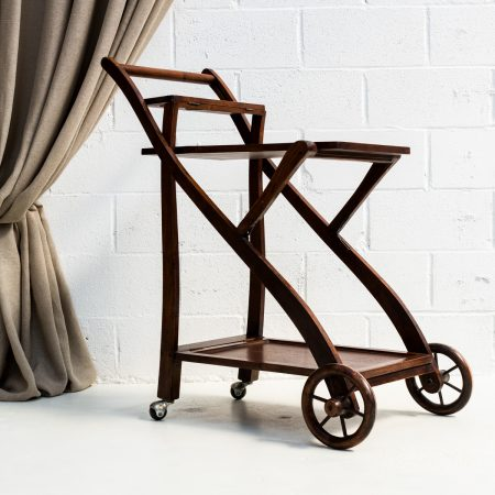 Mesas memorias del ayer alquiler mobiliario bodas y for Mesa camarera plegable