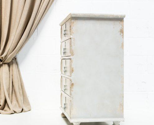 comoda afrancesada color gris decapado estilo romantico vintage