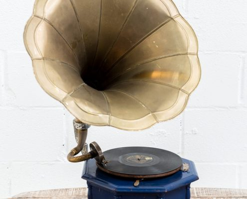 gramofono-antiguo-vintage-decoracion-antiguedades-atrezzo