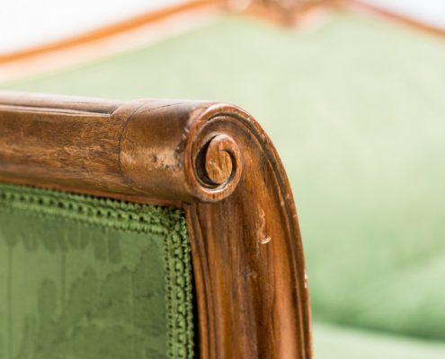 sofa estilo luis xv de tres plazas color verde