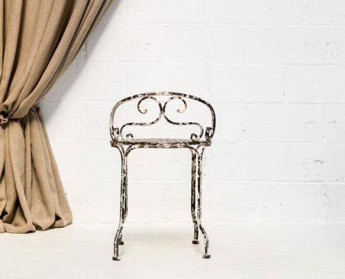 silla de forja estilo afrancesado envejecido