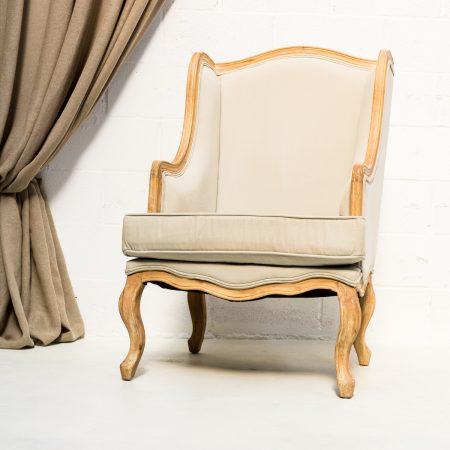 Decoración vintage de bodas en Madrid, sillón aguamarina romántico.