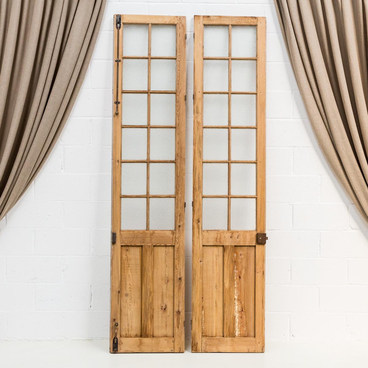 Puerta vancouver memorias del ayer alquiler mobiliario for Decoracion puertas vintage