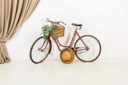 bicicleta-vintage-antigua-decoracion-atrezzo