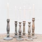 candelabros-madera-gris-romantico-velas-decoracion-atrezzo