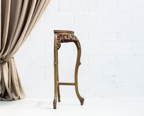 consola de madera alta estilo palaciego color gris verdoso decapado