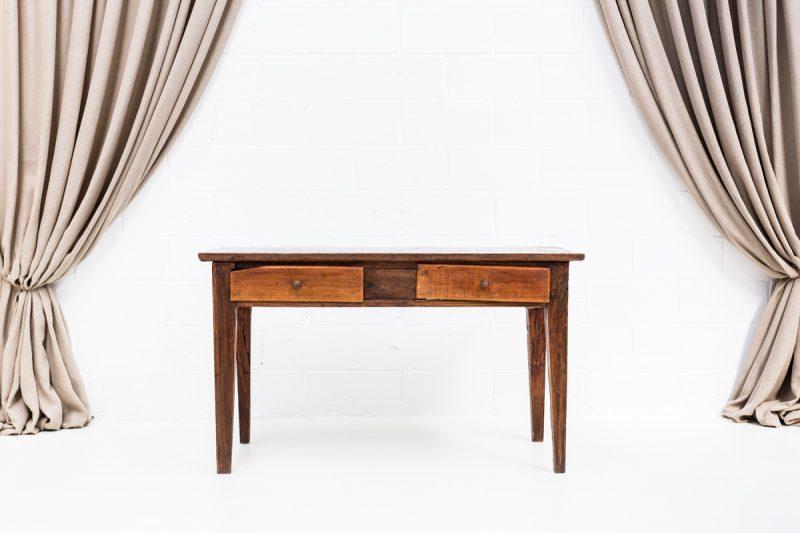 mesa tocinera de madera con dos cajones