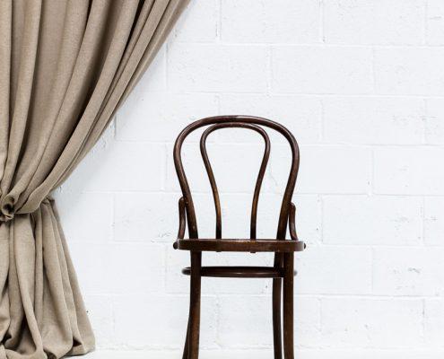 silla de madera vintage estilo bistro thonet