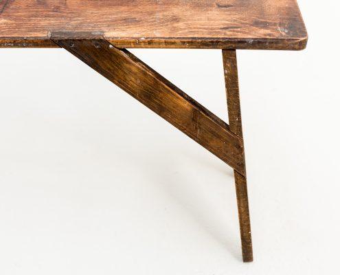 taburete bajo de madera estilo rustico vintage