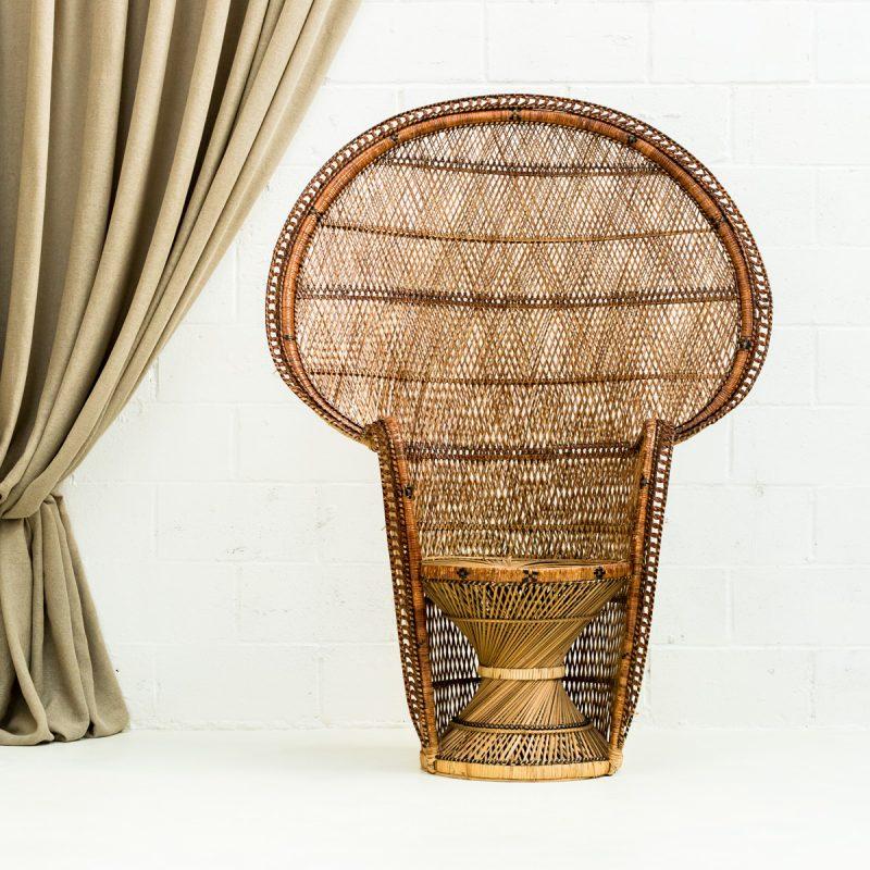 Decoración original de bodas con este sillón de mimbre emmanuelle color natural