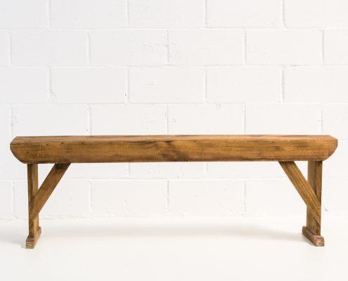 banco estilo nordico de madera lavada