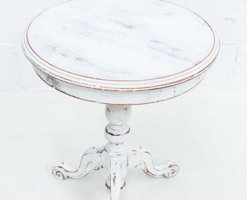 mesita auxiliar de madera color blanco decapado estilo romantico vintage