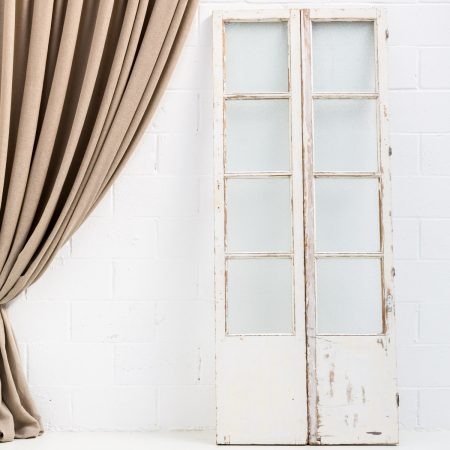 puerta-antigua-vintage-madera-cristales-decoracion-atrezzo-bodas-bodas-blanca-contraventanas