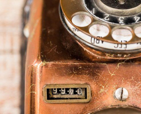 telefono-antiguo-vintage-decoracion-antiguedades-atrezzo