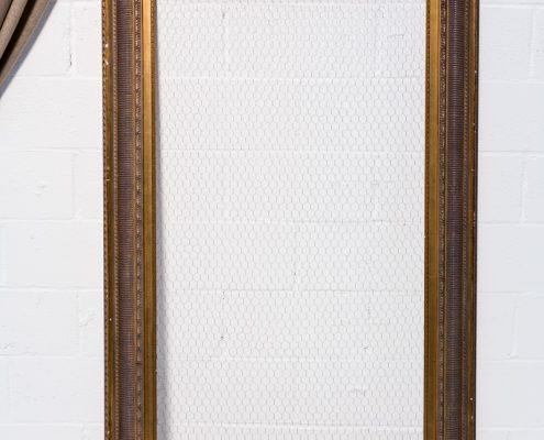 marco vintage de madera color dorado