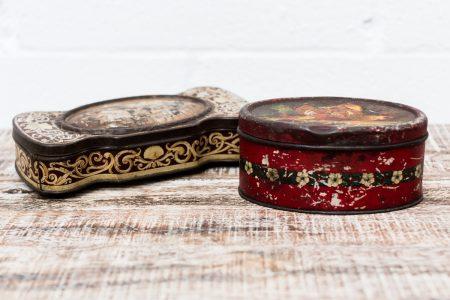 caja-hojalata-vintage-antigua-decoracion-atrezzo-antiguedades-pequeña
