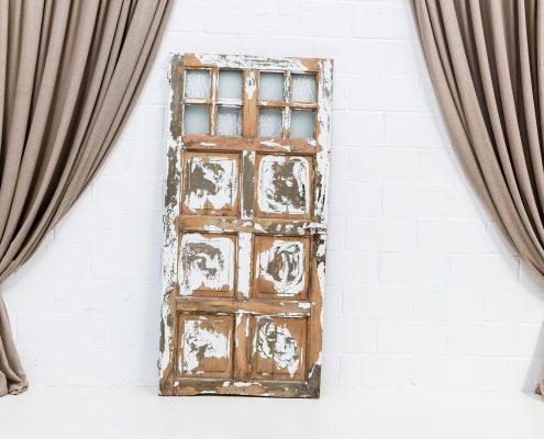 puerta-antigua-vintage-madera-blanco-verde-decapado-seating-decoracion-atrezzo-boda-bodas