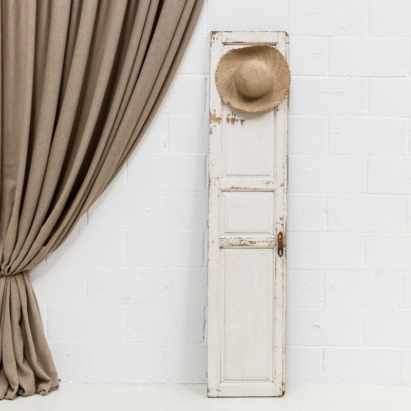 puerta-antigua-vintage-madera-verde-seating-decoracion-atrezzo-boda-estrecha