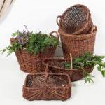 cesta-mimbre-oscuro-antigua-vintage-decoracion-atrezzo