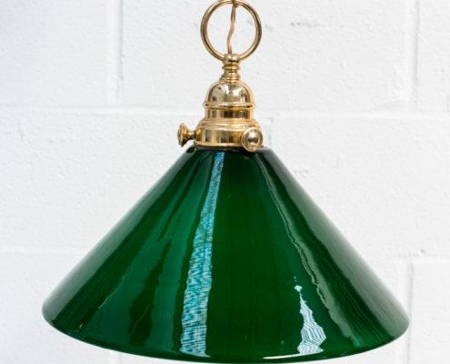 lampara-vintage-antigua-decoracion-atrezzo-cristal-biblioteca-verde