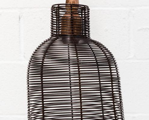 lampara-hierro-oscuro-rallas-estilo-industrial