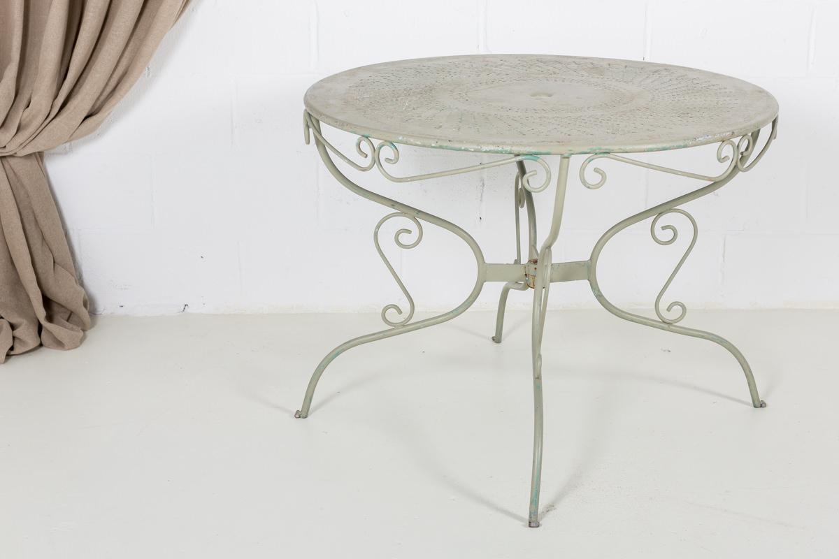 mesa-forja-romantica-afrancesada-redonda-jardin-verde-dibujos_02