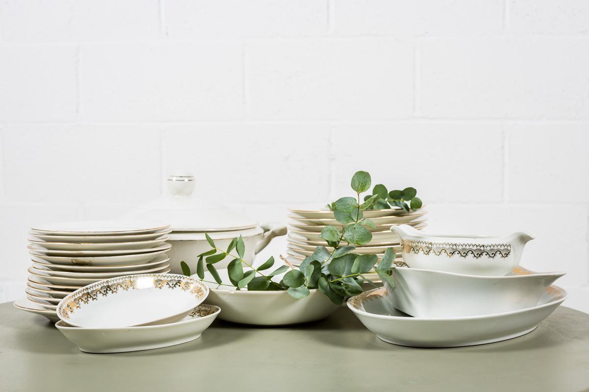 porcelana-antigua-vintage-flores-blanco-dorado-decoracion-atrezzo_02